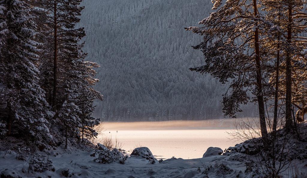 Eibsee im Winter Eisfläche